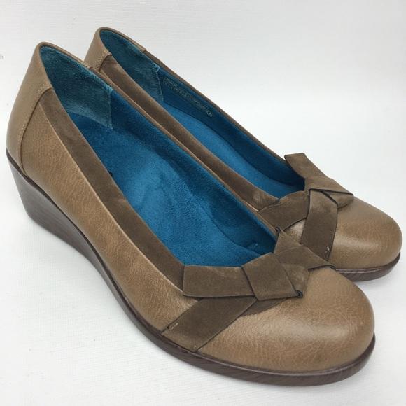 Vionic Shoes - VIONIC Sz 6 Loafer Wedge Women's Shoes